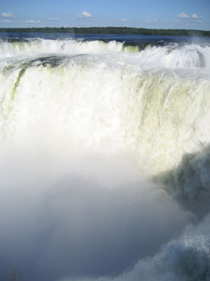 The massive amount of water pouring over La Garganta del Diablo in Iguazu Falls
