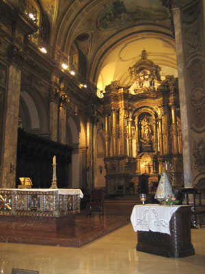 The altar at La Catedral Metropolitana in Buenos Aires