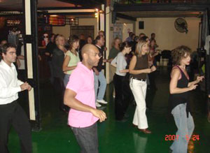 Salsa classes in Buenos Aires with Gregorio at Cuba Mia Restaurant